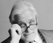 scrittore, regista, attore e conduttore televisivo italiano