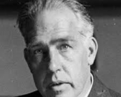 fisico danese. Diede contributi fondamentali nella comprensione della struttura atomica e nella meccanica quantistica, per i quali ricevette il premio Nobel per la Fisica nel 1922
