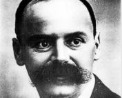 matematico, astronomo e astrofisico tedesco.