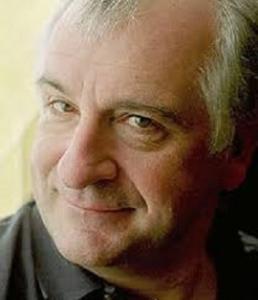 scrittore, sceneggiatore e umorista britannico