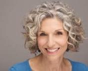 stand-up comedian , autore televisivo, e attrice